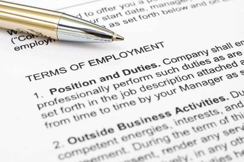 Independent Contractor or Employee? How to Choose Properly